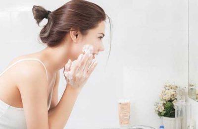 Cách chăm sóc da mụn tại nhà